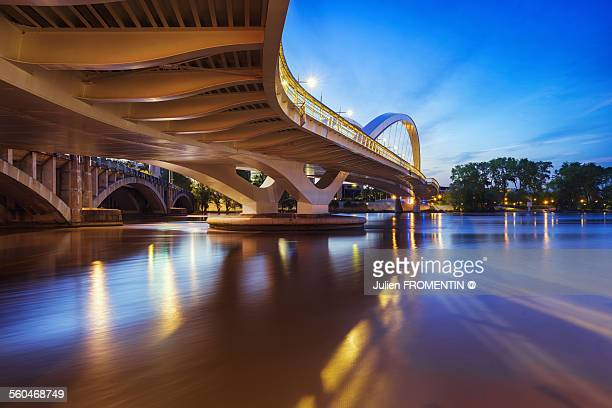 pont raymond-barre, lyon, france - lyon photos et images de collection