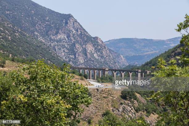 pont séjourné - historic railway bridge in france (dep. pyrenees-orientales) - catalogne photos et images de collection