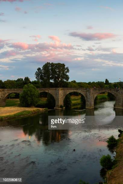pont vieux - historic bridge in carcassonne (aude/ languedoc-roussillon, france) - carcassonne stock pictures, royalty-free photos & images