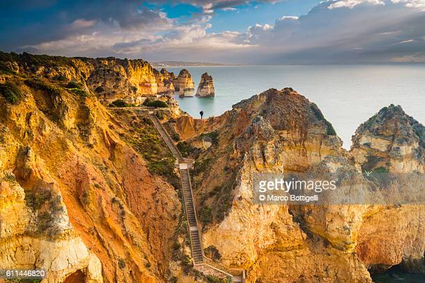 ponta da piedade, lagos, algarve, portugal. - algarve stock photos and pictures