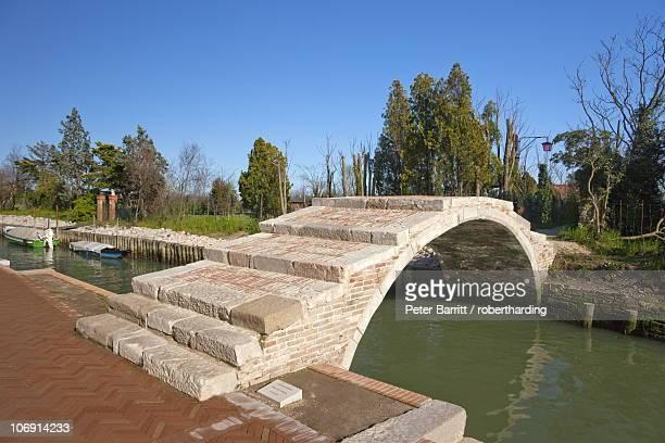 Ponte del Diabolo (Bridge of the Devil), Torcello Island, Venice Lagoon, UNESCO World Heritage Site, Veneto, Italy, Europe