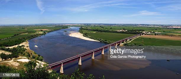 ponte d.luis - estremadura stock-fotos und bilder
