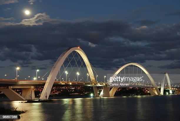 ponte jk - brasília bridge - brasilia stock pictures, royalty-free photos & images