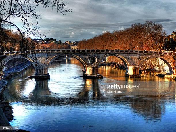 Ponte Sisto reflected on river Tevere, Roma