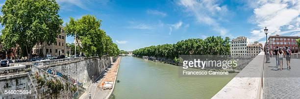 Ponte Sisto: view to Tiber River
