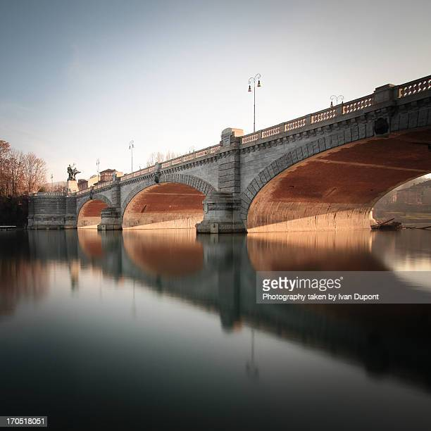 ponte umberto i, torino - turín fotografías e imágenes de stock