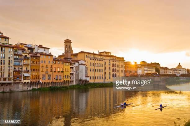 ponte vecchio and arno river - ponte vecchio stock photos and pictures