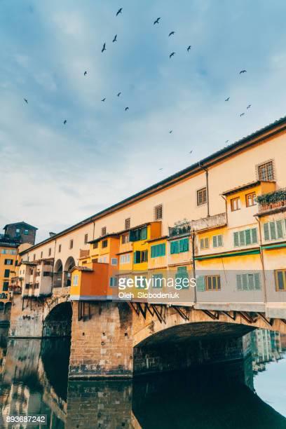 Ponte Veccio puente río Arno en Florencia