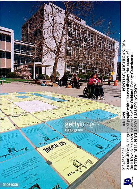 Pontiac Michigan Usa An AntiKevorkian Group Of People With Illnesses Displays The Names Of Jack Kevorkian's Victims Outside Of The Oakland County...