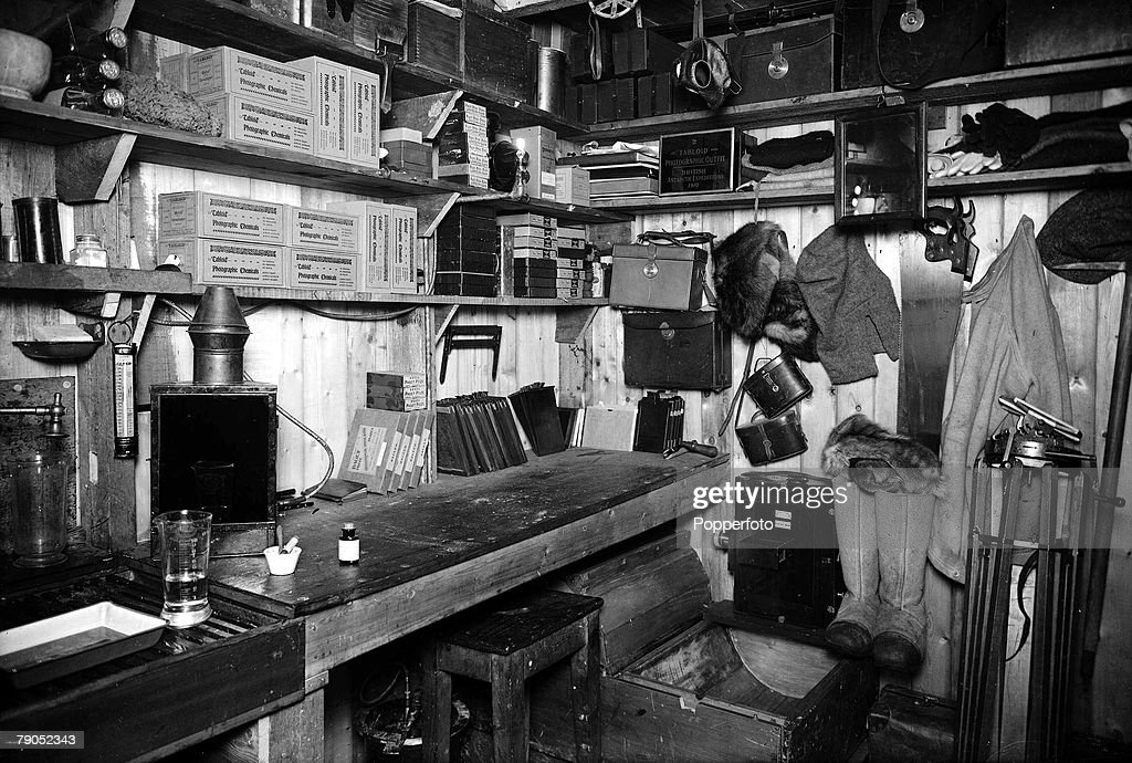 H.G Ponting. Captain Scott+s Antarctic Expedition 1910 - 1912. 24th March, 1911. An interior view showing the darkroom of photographer Herbert Ponting. : News Photo