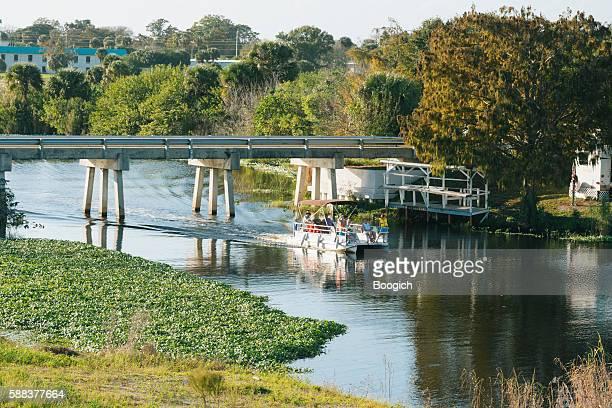 pontoon boat ride on lake okeechobee florida usa - lake okeechobee stock pictures, royalty-free photos & images