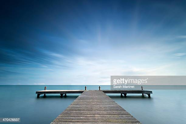 pontoon - pier stock pictures, royalty-free photos & images