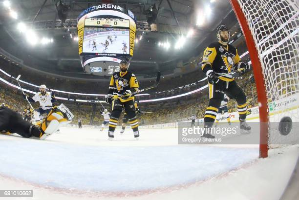 Pontus Aberg of the Nashville Predators scores a goal against Matt Murray of the Pittsburgh Penguins during the first period in Game Two of the 2017...