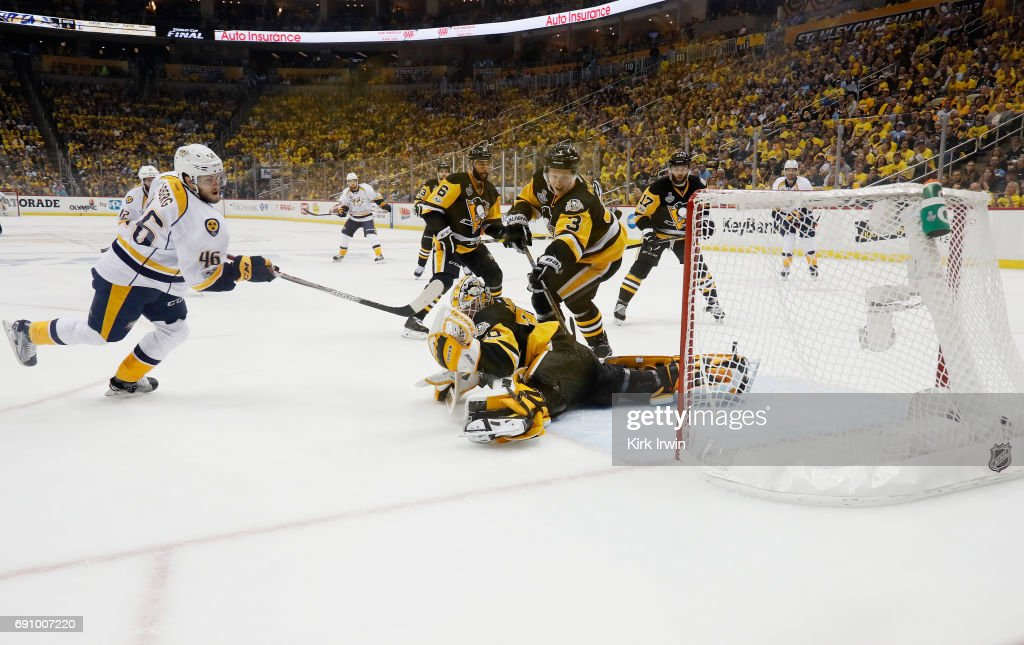 2017 NHL Stanley Cup Final - Game Two : News Photo