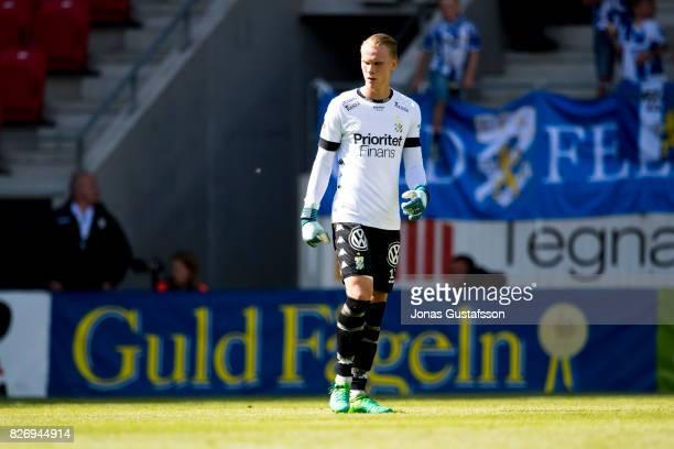 Pontus Dahlberg goalkeeper of IFK Goteborg during the Allsvenskan match between Kalmar FF and IFK Goteborg at Guldfageln Arena on August 6 2017 in...