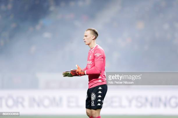 Pontus Dahlberg goalkeeper of IFK Goteborg during the Allsvenskan match between AIK and IFK Goteborg at Friends arena on October 30 2017 in Solna...