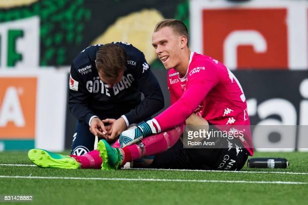Pontus Dahlberg goalkeeper of IFK Goteborg in pain during the Allsvenskan match between IF Elfsborg and IFK Goteborg at Boras Arena on August 14 2017...