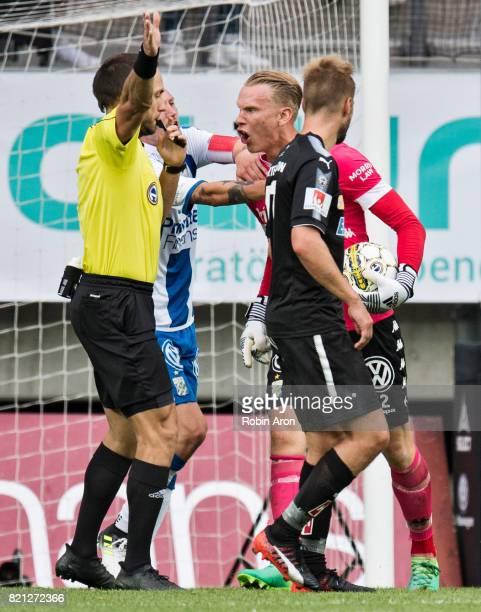 Pontus Dahlberg goalkeeper of IFK Goteborg upset on referee Kaspar Sjoberg during the Allsvenskan match between IFK Goteborg and Orebro SK at Gamla...