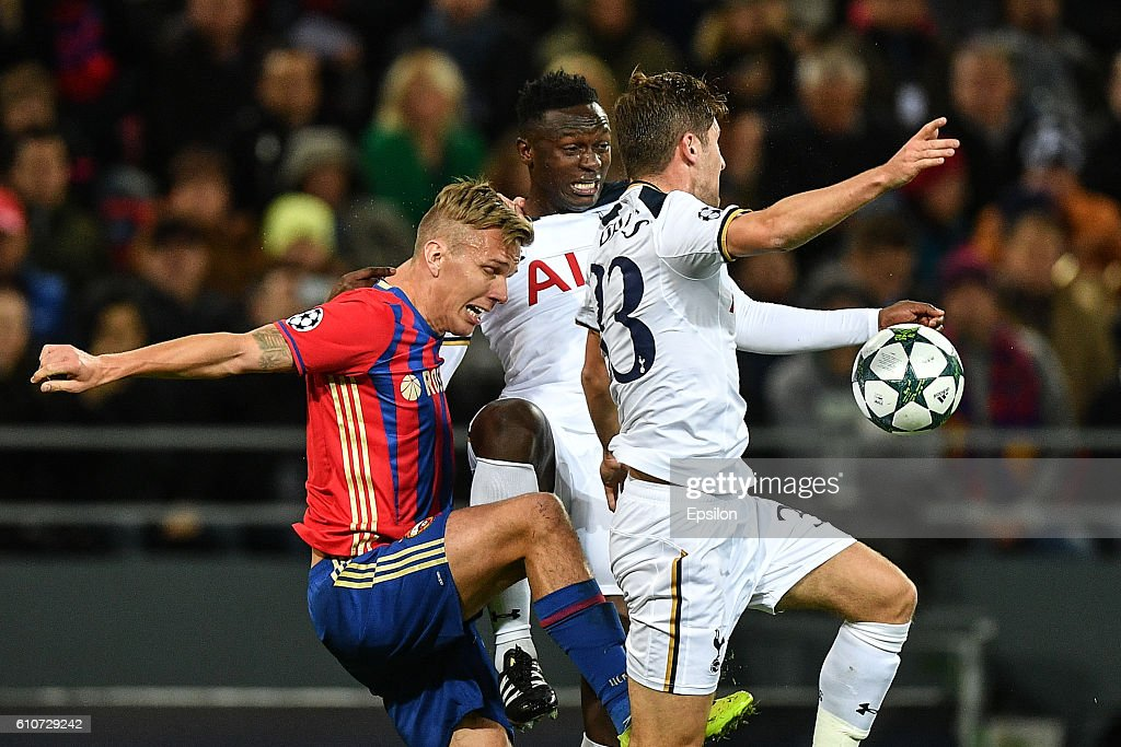 Pontus Wernbloom of CSKA Moscow vies for the ball with Victor Wanyama (C) and Ben Davies of Tottenham Hotspur FC during the UEFA Champions League match between PFC CSKA Moskva and Tottenham Hotspur FC at the CSKA Arena stadium on September 27, 2016 in Moscow. (Photo by Epsilon/Getty Images)C