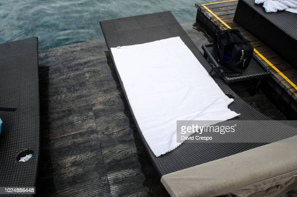 pool hammock - marina bay sands skypark stock pictures, royalty-free photos & images