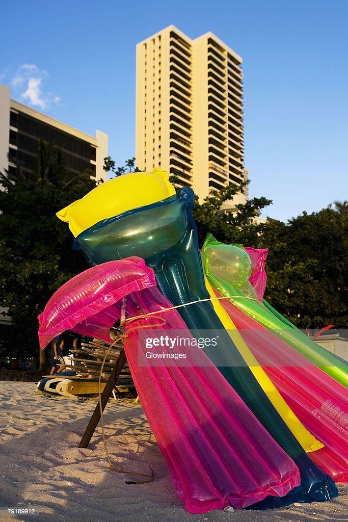 Pool rafts on the beach, Waikiki Beach, Honolulu, Oahu, Hawaii Islands, USA : Foto de stock
