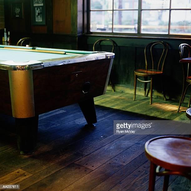 pool table in pub - poolbillard billard stock-fotos und bilder