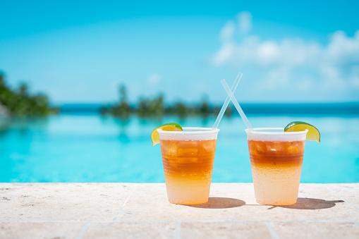 Poolside drinks at a tropical resort - gettyimageskorea