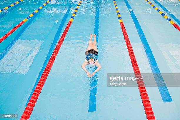 poolside lady - length stock pictures, royalty-free photos & images