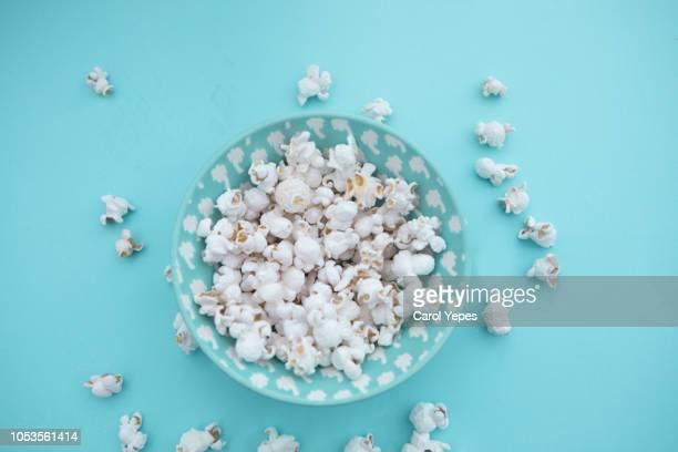 pop corn in a blue background