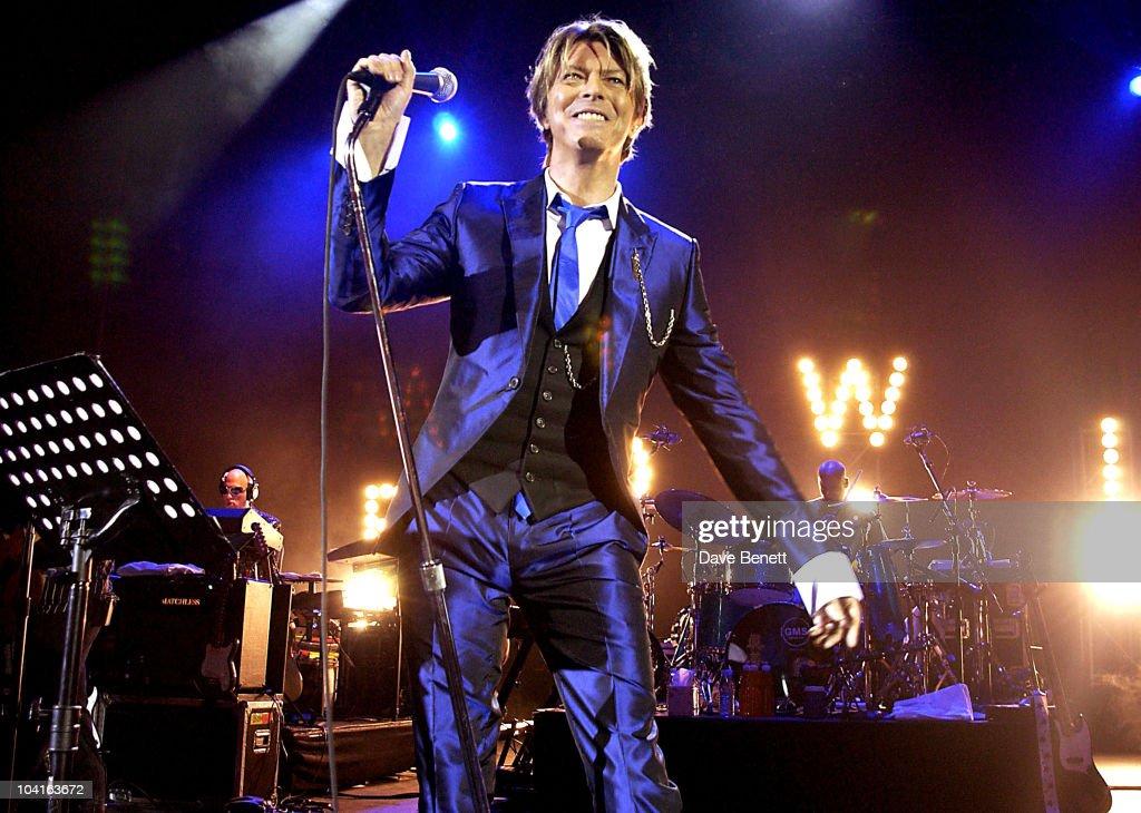 Pop Legend David Bowie In Concert : News Photo