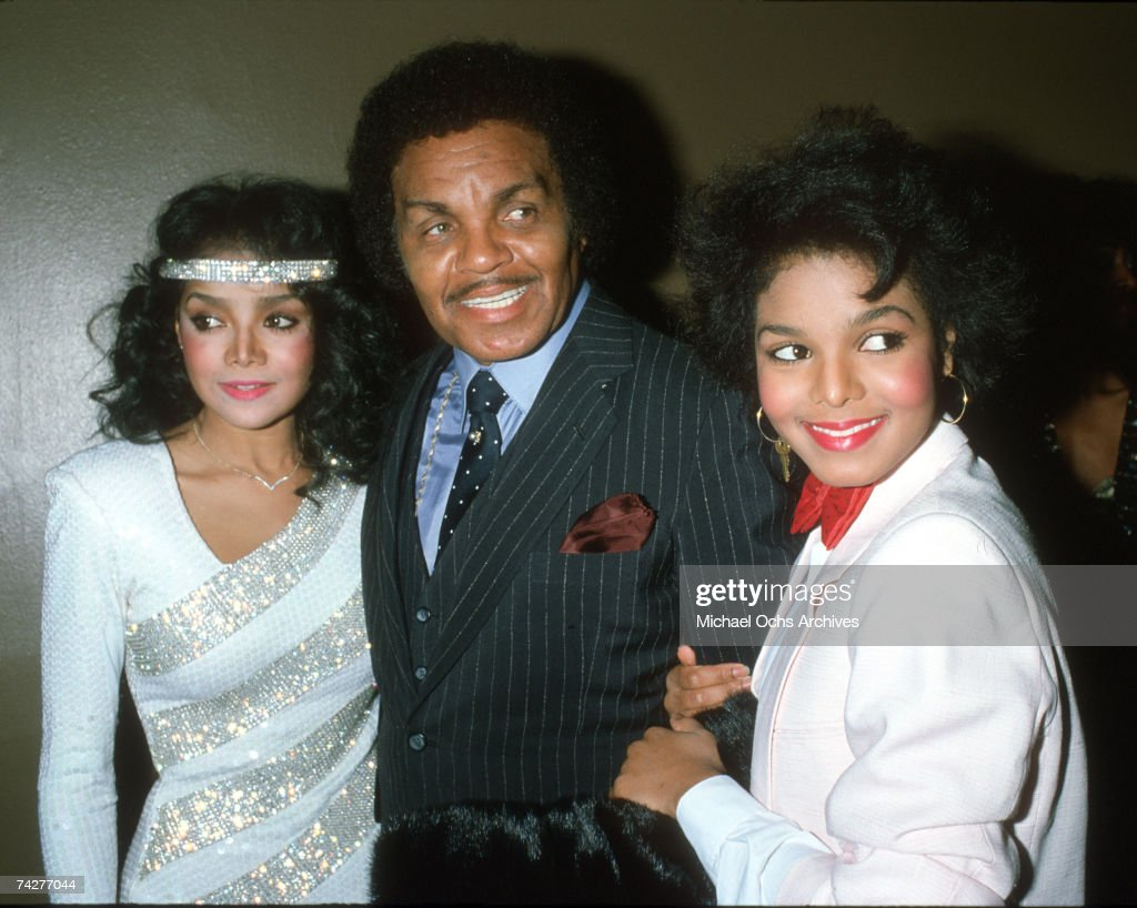 Pop singer and actress Janet Jackson attends the R&B Awards with her father Joe Jackson and sister LaToya Jackson (left) on February 4, 1983 in Los Angeles, California.
