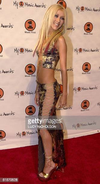 US pop singer Christina Aguilera arrives at the 'My VH1 Music Awards' 30 November 2000 in Los Angeles California AFP PHOTO/Lucy Nicholson