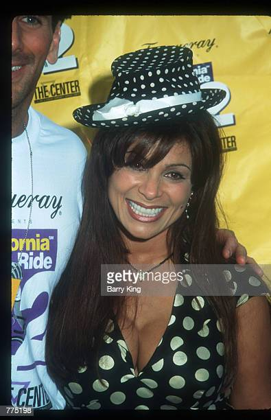 pop-singer-paula-abdul-makes-a-public-appearance-may-23-1995-in-los-picture-id775198?s=612x612