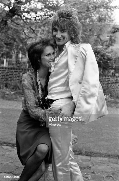 Pop singer Rod Stewart with his new girlfriend actress Joanna Lumley in her garden at her Kensington home 24th May 1974