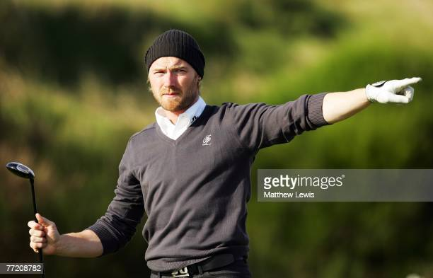 Pop singer Ronan Keating on the fifth tee during the third round of The Alfred Dunhill Links Championship at Kingsbarns Golf Links on October 6, 2007...