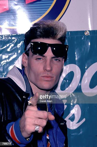 Pop singer Vanilla Ice signs autographs February 20 1991 in New York City