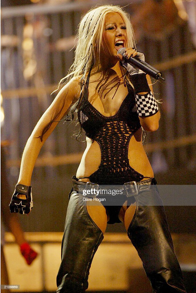 Christina Aguilera Performs At 2002 MTV European Music Awards : News Photo