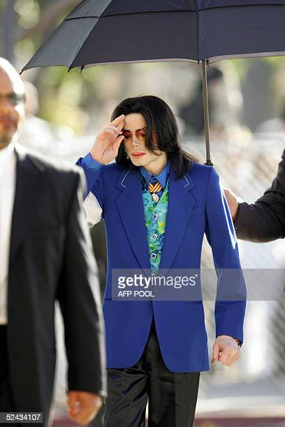 US pop star Michael Jackson arrives at Santa Barbara County Courthouse in Santa Maria California for another day of testimony in his child...