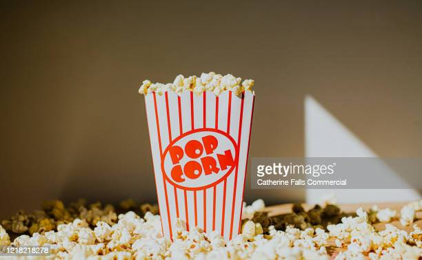 popcorn - film and television screening stock pictures, royalty-free photos & images