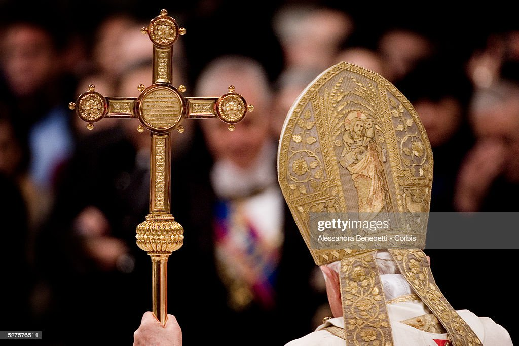 pope benedict xvi celebrates a new year service in st peters basilica at the