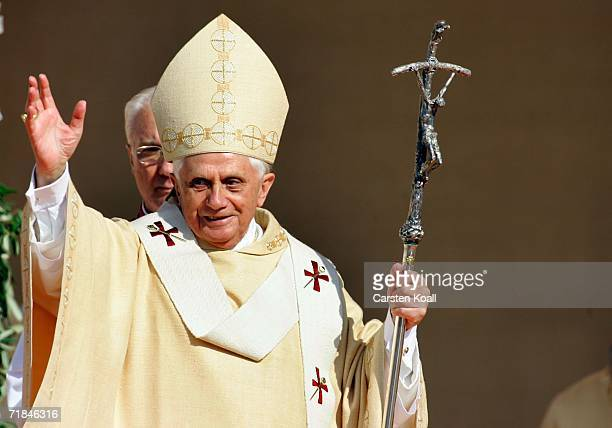Pope Benedict XVI celebrates the holy mass during his pastoral visit to his native Bavaria on the chapel square on September 11 2006 in Altoetting...