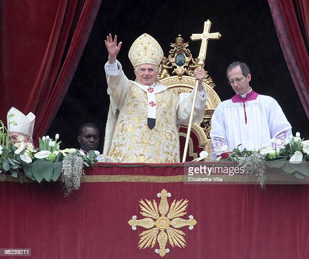 Pope Benedict XVI delivers his 'urbi et orbi' blessing from the central balcony of St Peter's Basilica on April 4 2010 in Vatican City Vatican The...