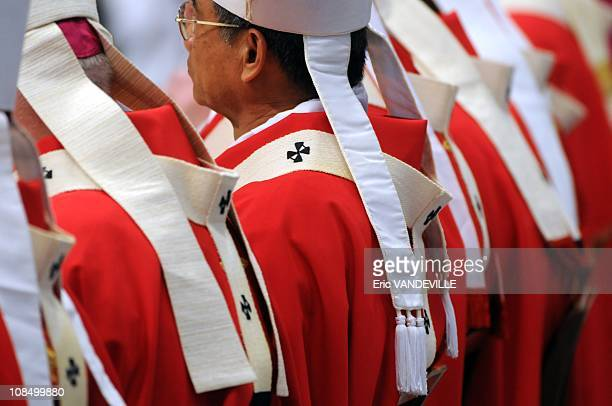 Pope Benedict XVI gave Pallium to french Archbishop Laurent Ulrich.Pope Benedict XVI bestowed the pallium on 40 metropolitan archbishops from around...