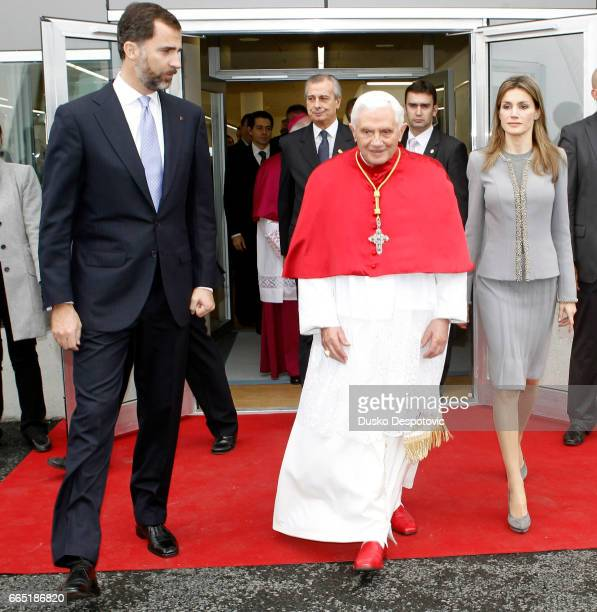 Pope Benedict XVI greets Spanish Prince Crown Felipe and Princess Letizia at his arrival to Santiago de Compostela airport Santiago de Compostela...