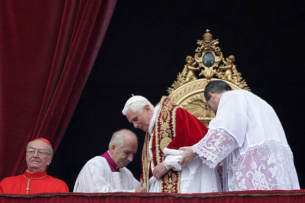 Pope Benedict XVI Leves The Balcony After Delivering His Christmas Urbi Et Orbi Blessing From