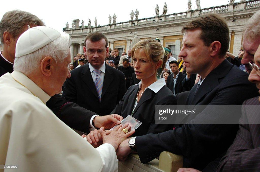 Madeleine McCanns Parents Visit The Pope : News Photo