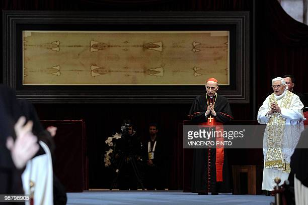 Pope Benedict XVI prays in front of the Shroud in the Turin cathedral on May 2 2010 Pope Benedict XVI will bow before the Shroud of Turin the object...