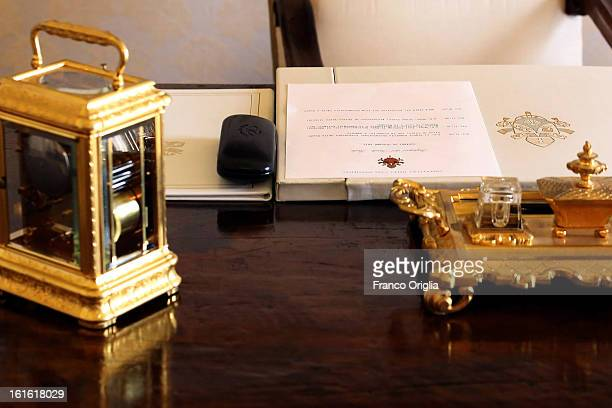 Pope Benedict XVI writingtable of his studio at the Apostolic Palace on October 25 2012 in Vatican City Vatican Pope Sixtus V built the Apostolic...