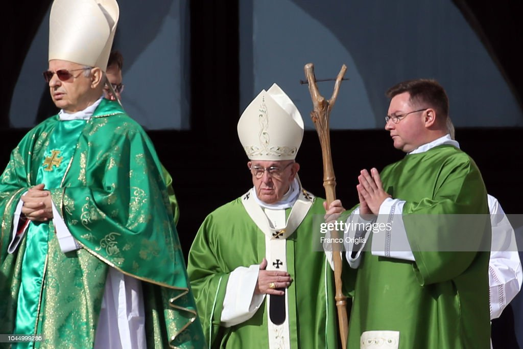 Pope Francis Opens The Synod on Young People : News Photo