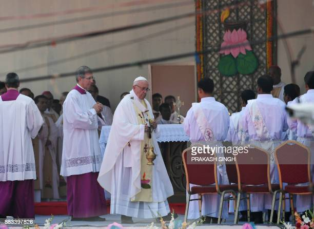 Pope Francis arrives to lead mass for Bangladeshi Christians in Dhaka on December 1 2017 Pope Francis arrived in Bangladesh from Myanmar on November...